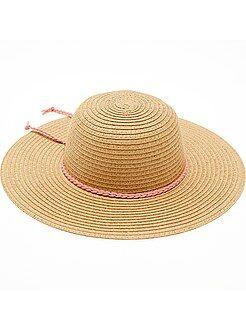 Chapeau forme capeline