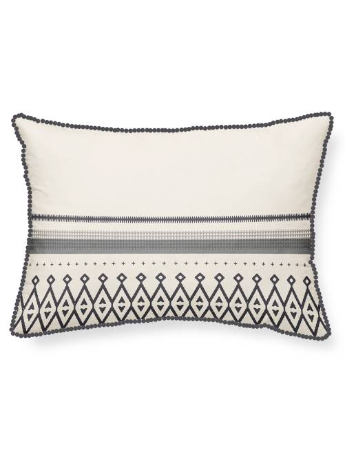 coussin imprim ethnique linge de lit cru gris kiabi 9 00. Black Bedroom Furniture Sets. Home Design Ideas