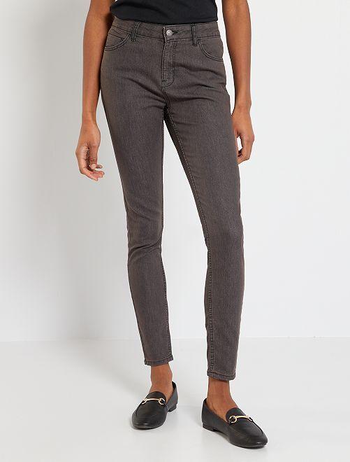 Jean skinny éco-conçu                                                                                         gris foncé