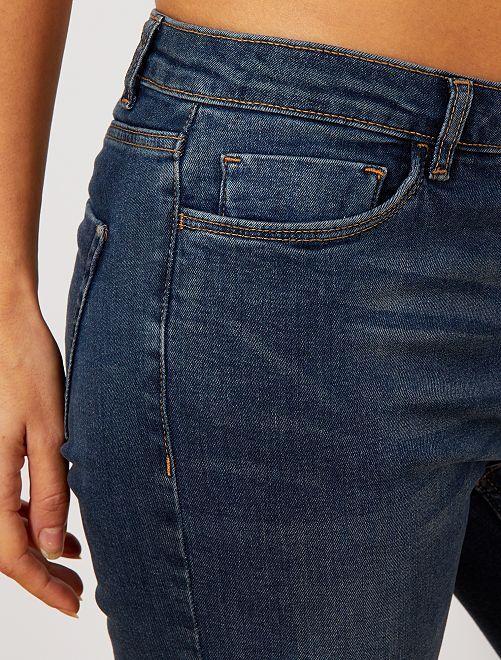 jean slim super taille haute longueur us32 femme denim black kiabi 15 00. Black Bedroom Furniture Sets. Home Design Ideas
