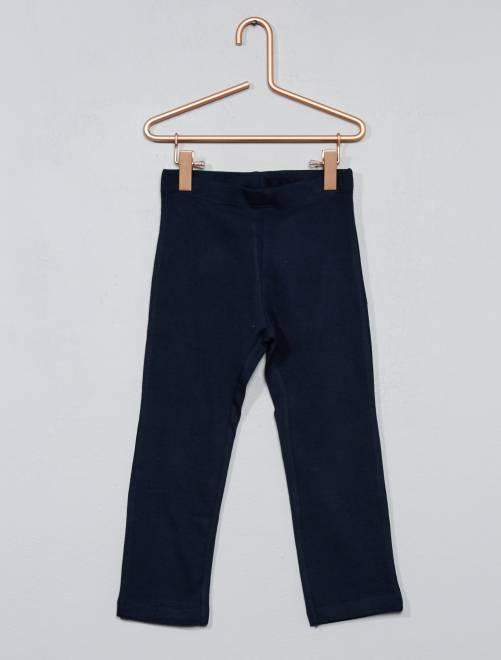 legging court stretch fille bleu marine kiabi 3 00. Black Bedroom Furniture Sets. Home Design Ideas