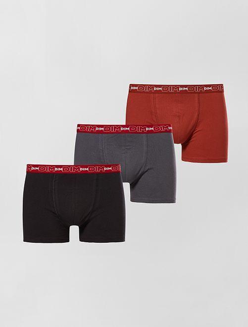 Lot de 3 boxers en coton stretch de 'DIM'                                                                                                     gris/rouge/noir Homme