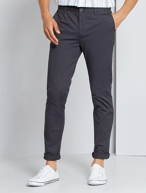 Pantalon chino slim                             gris foncé
