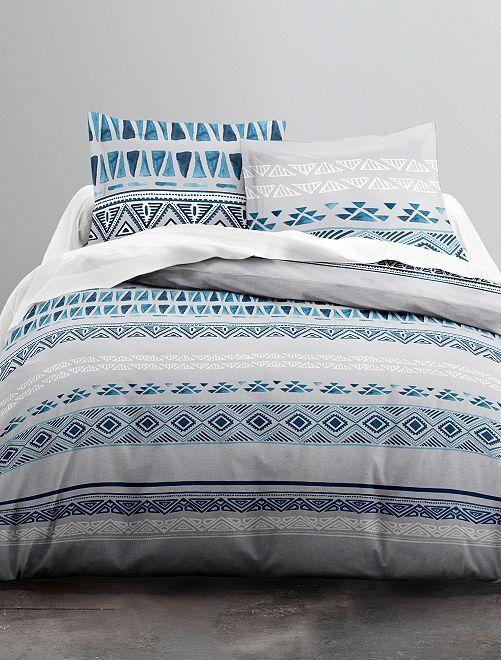 parure de lit 2 personnes motifs 39 ethniques 39 linge de lit blanc bleu kiabi 30 00. Black Bedroom Furniture Sets. Home Design Ideas