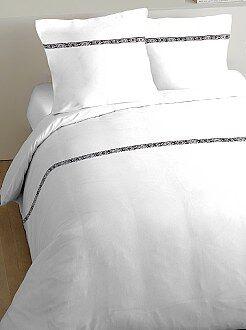 Parure de lit détail ethnique