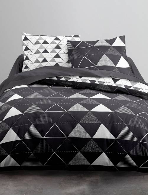 parure de lit noir et blanc imprim 39 triangles 39 linge de lit noir kiabi 20 00. Black Bedroom Furniture Sets. Home Design Ideas