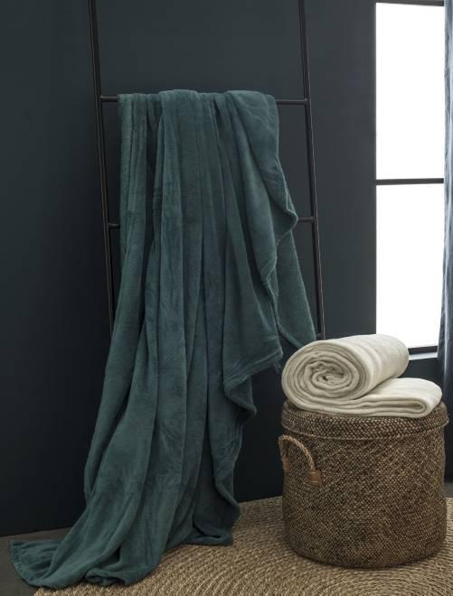 plaid uni en polaire linge de lit vert kiabi 14 00. Black Bedroom Furniture Sets. Home Design Ideas