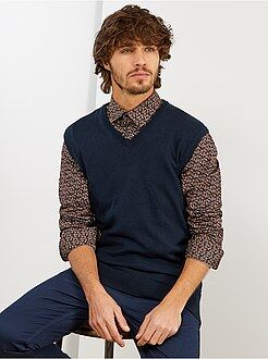 Pull sans manches col V fine maille