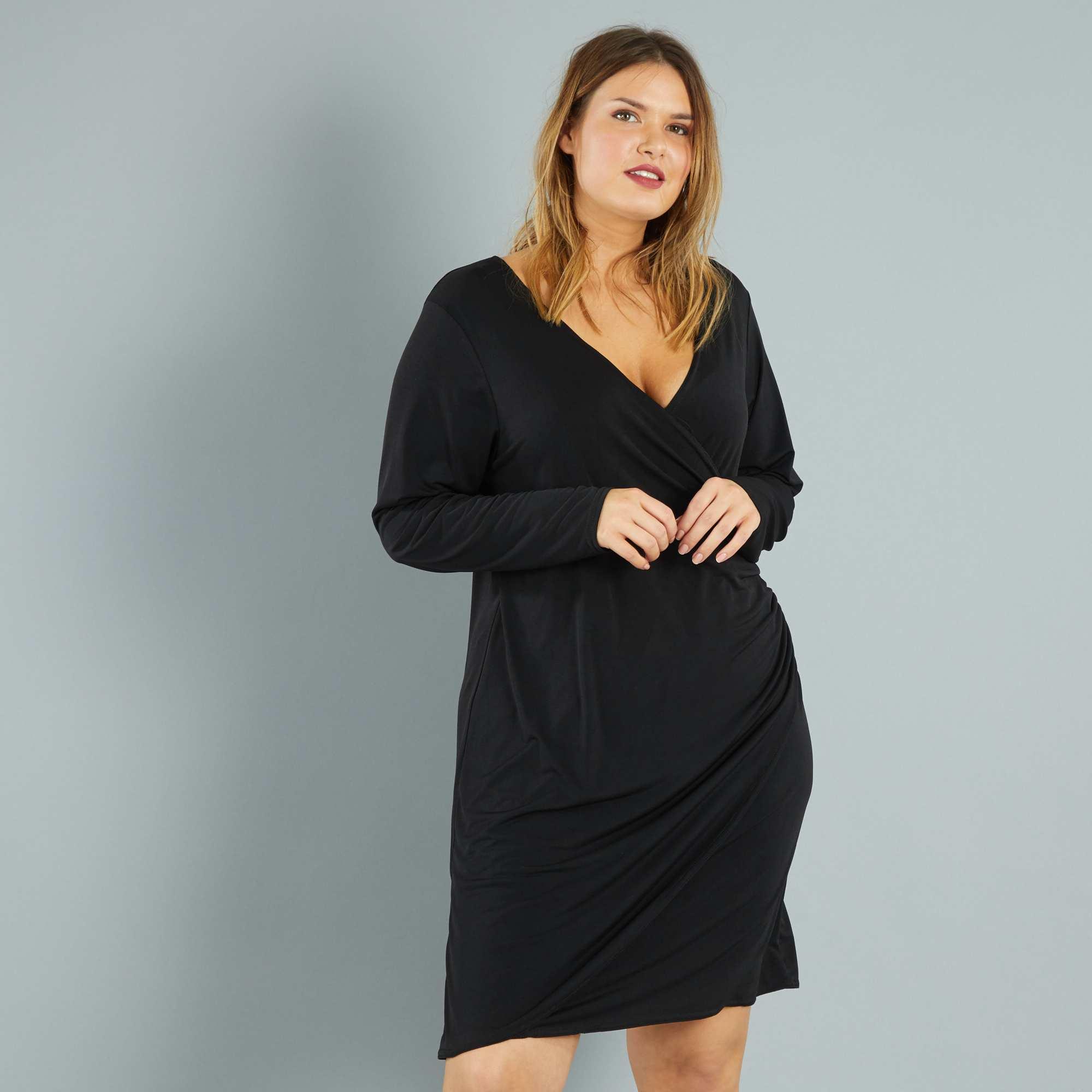 robe courte effet cache coeur grande taille femme noir kiabi 25 00. Black Bedroom Furniture Sets. Home Design Ideas