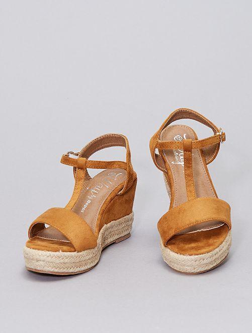 Sandales en suédine compensées                                         camel