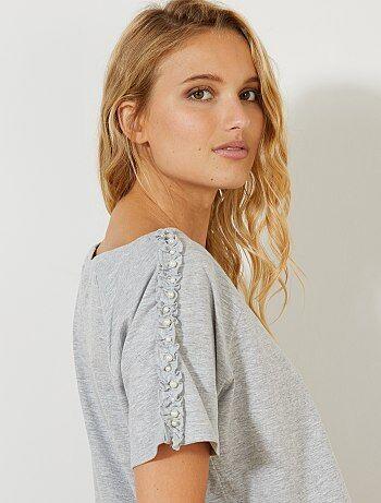 Femme du 34 au 48 - T-shirt animé de volants et perles - Kiabi