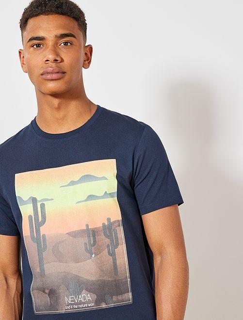 T-shirt imprimé en coton bio                                 bleu marine nevada Homme