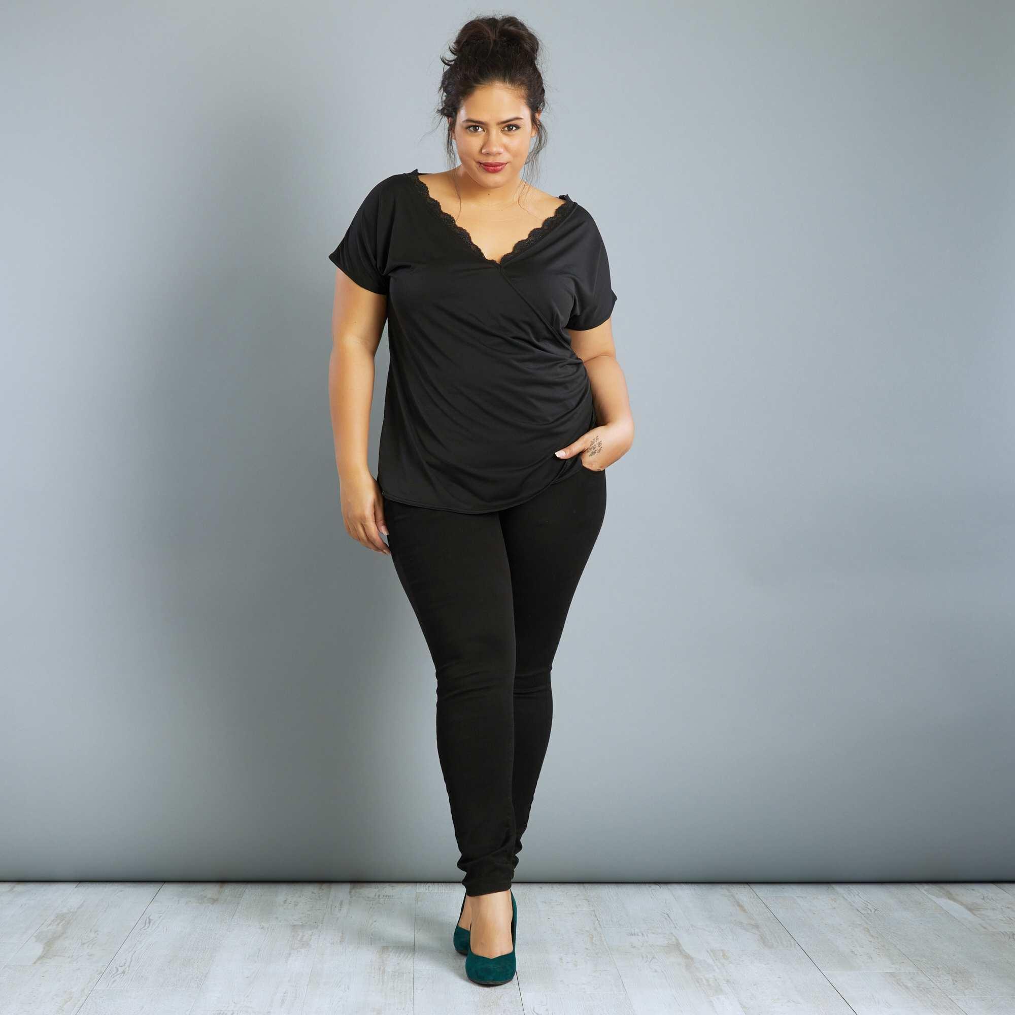 tee shirt col cache c ur avec dentelle grande taille femme. Black Bedroom Furniture Sets. Home Design Ideas