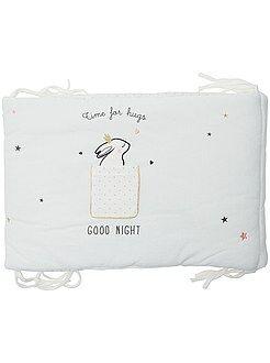 Chambre, bain - Tour de lit en velours imprimé 'lapins câlins'