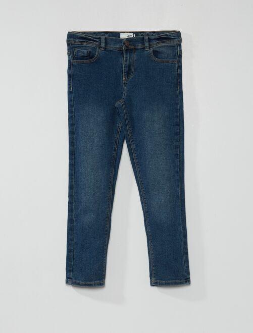 Ecologisch ontworpen, slim-fit jeans                                                     BLAUW