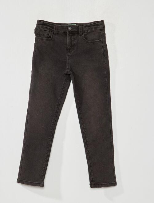 Ecologisch ontworpen, slim-fit jeans                                                     ZWART