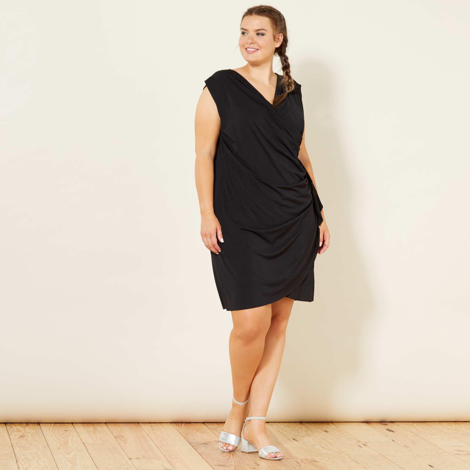 aa5d29192c492d Gedrapeerde jurk met print zwart Dames size+. Loading zoom