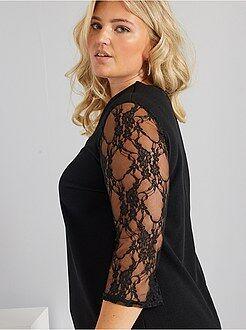 Zwarte kanten jurk maat 48