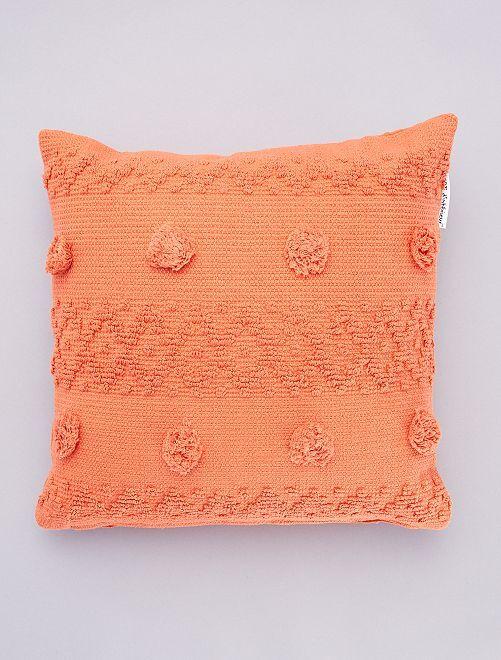Kussen met reliëf-kwastjes                             oranje