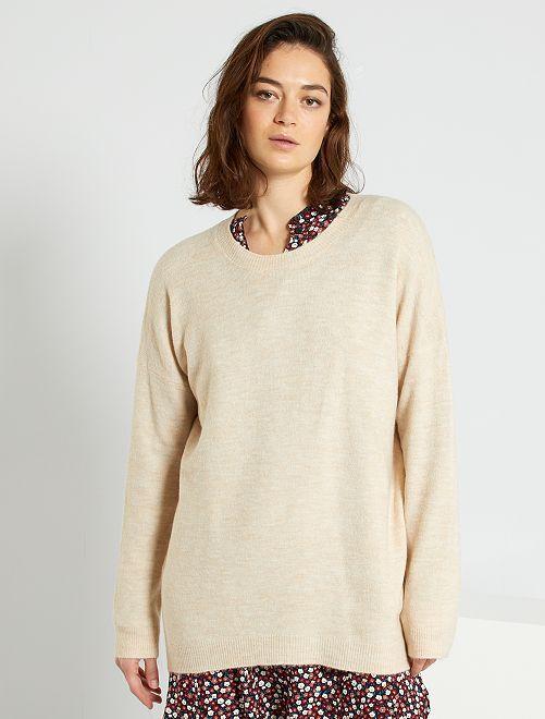 Lange trui van dun tricot                                                     BIEGE