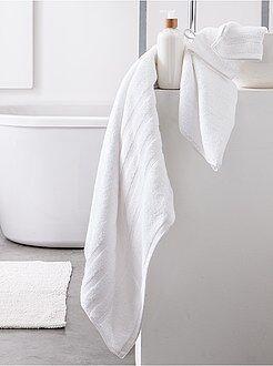 linge de toilette pas cher et serviettes mode maison kiabi. Black Bedroom Furniture Sets. Home Design Ideas