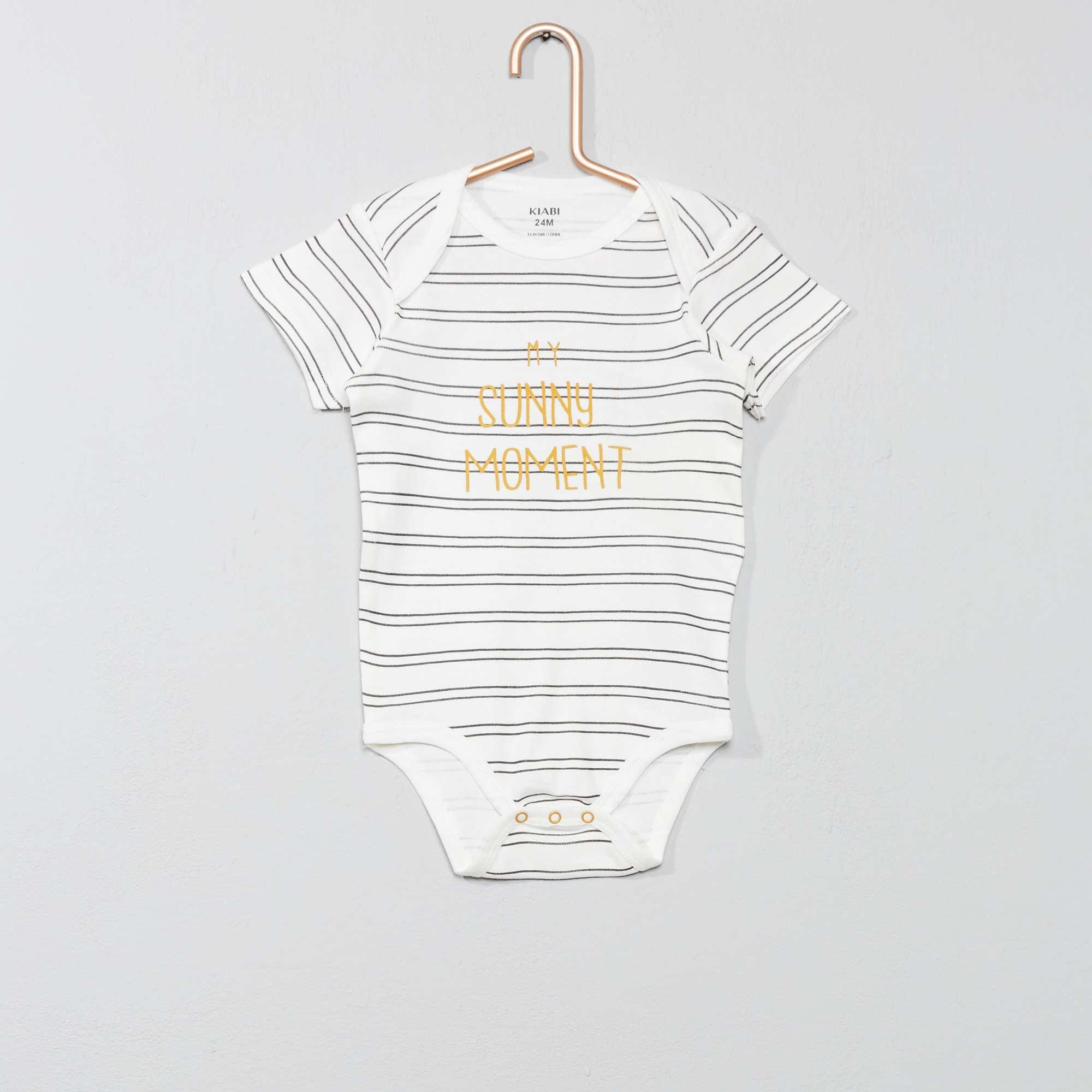 Aparte Babykleding.Rompertje Met Print En Envelophals Jongens Babykleding Wit Kiabi