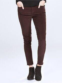 Broek - Skinny broek van ribfluweel met rits onderaan de pijpen