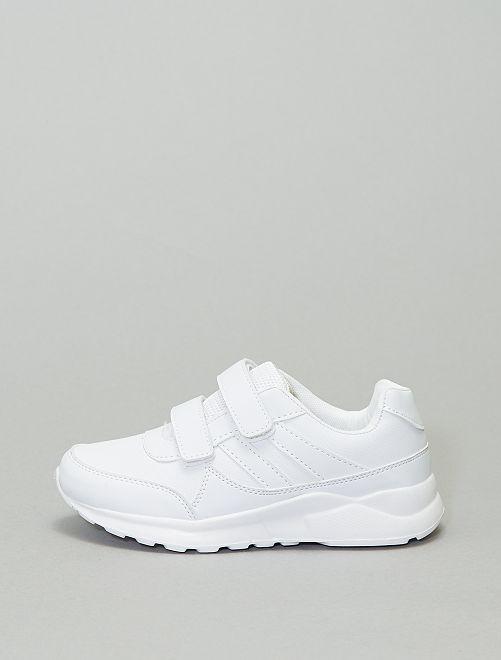 Sneakers van imitatieleer                             wit