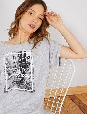 76d7ba5382c Damesmode maat 34-48 - T-shirt met fotoprint van 'Woodstock' -