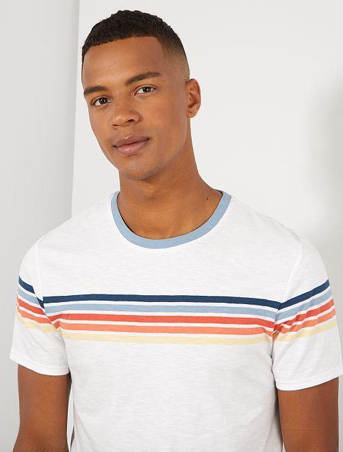 T-shirt met opgedrukte streepjes                                                     WIT Herenkleding