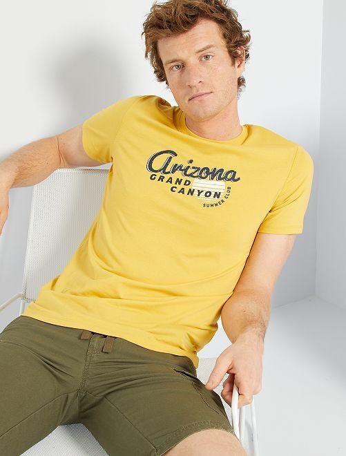 T-shirt met print 'Ecodesign'                                                                                                                                                                 GEEL