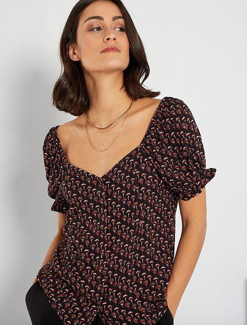 T-shirt met vierkante halslijn                                         ZWART