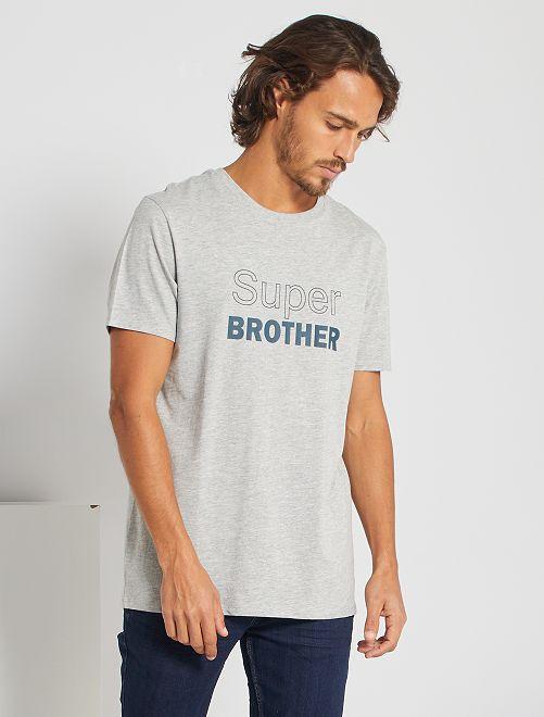 T-shirt 'Super Brother' 'Ecodesign'                                         GRIJS